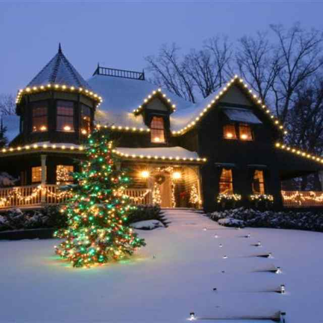 christmas decor zionsville landscaping servcies - Christmas Light Hanging Business
